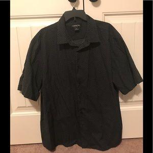 Very nice men's  Claiborne shirt (EUC)